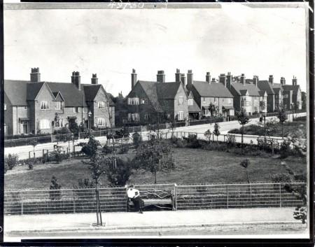 Бурнвиль в 1905 году. Дома для рабочих шоколадной фабрики.