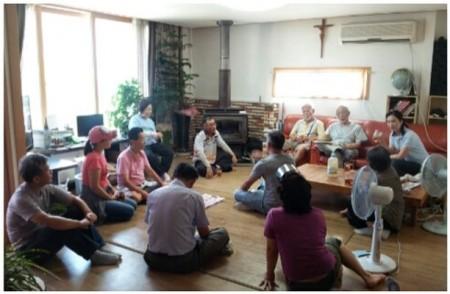 На квакерском собрании в Сеуле (Корея)