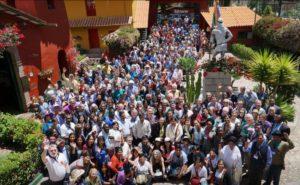 История квакеров: Общая фотография участников всемирной встречи квакеров. Перу, 2016 год.