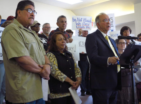 Квакеры предоставляют убежище иммигрантам в своей церкви