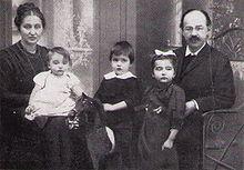 Эмиль Фукс с семьей, 1912